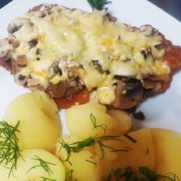 Filet z kurczaka z pieczarką serem